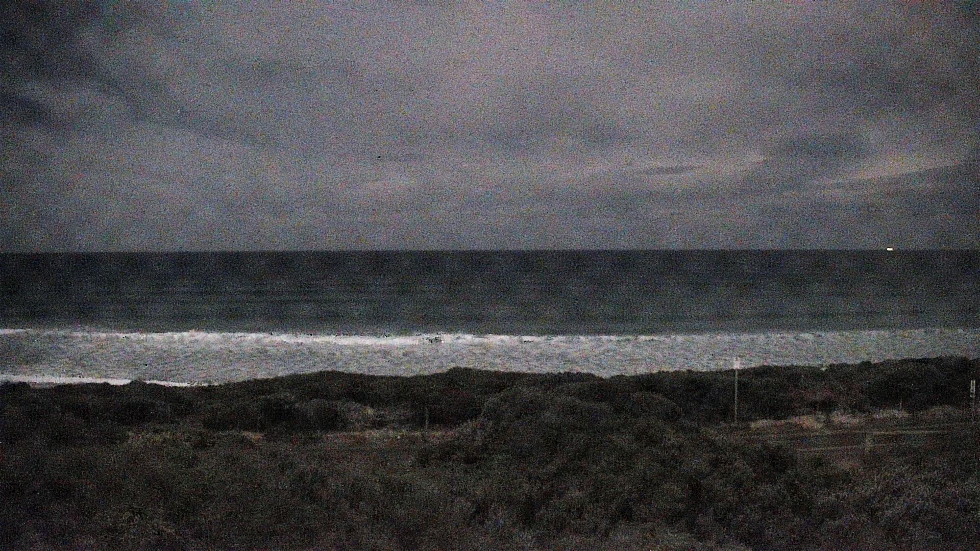 13th Beach surfcam still image