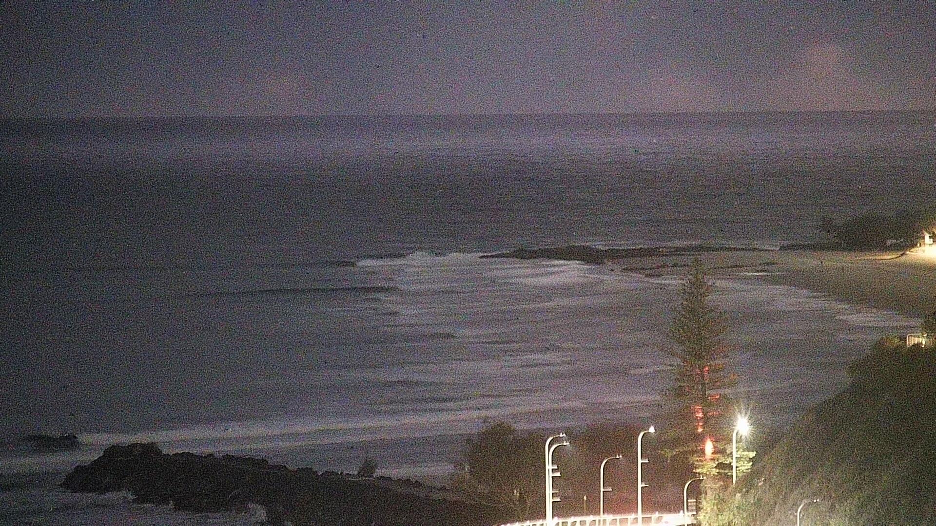Superbank surfcam still image